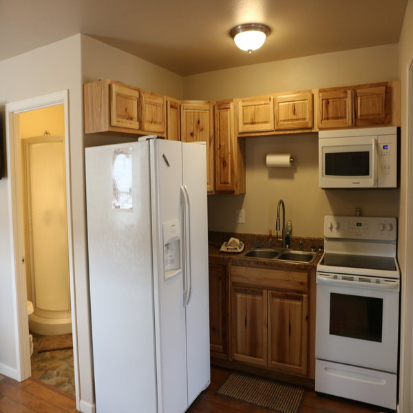 Grey Reef Cabins Alcova Wyoming Lodging Kitchen
